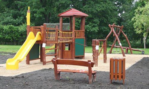 Dětské hřiště na Louce u Zlaté stoky Třeboň